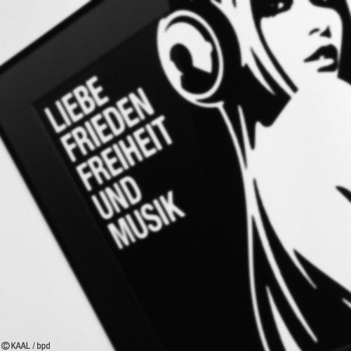 インテリアアート Liebe Frieden Freiheit und Musik by KAAL bpd
